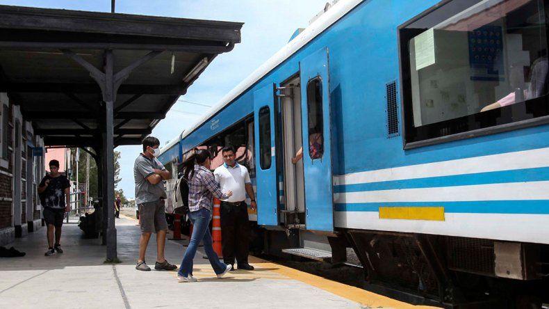 Tren del Valle: a pesar de las interrupciones, cada vez se usa más