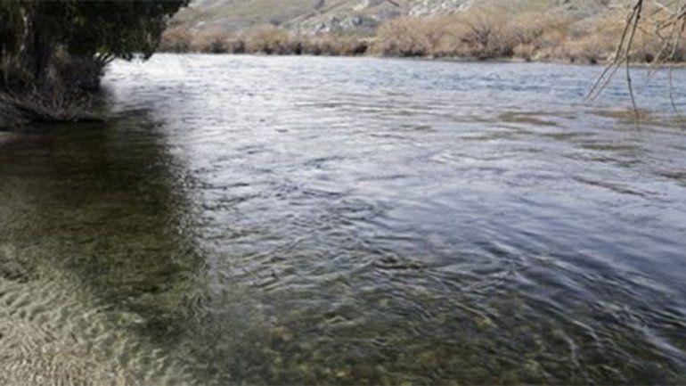 Tragedia: cayó de su embarcación, se enredó con unas ramas y murió ahogado