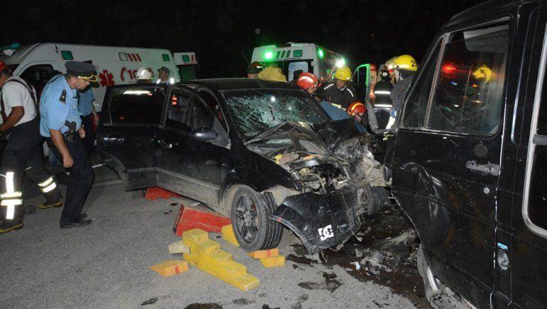 Terrible choque frontal dejó ocho heridos en San Martín de los Andes