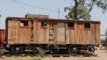 Tristeza por el abandono en lo que iba a ser el paseo del ferrocarril
