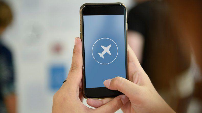 ¿Por qué se pone el celular en modo avión en el aire?