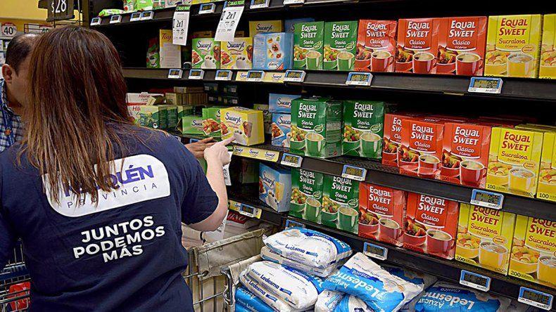 Fernández hará que los municipios controlen los precios de los pequeños comercios