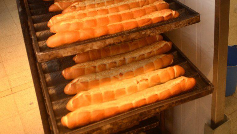 Esta semana aumentaría el pan un 30 por ciento