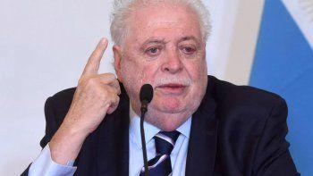 El ministro Ginés González García le pegó a Facundo Manes por criticar la cuarentena