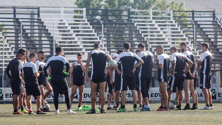 Fútbol: si el país no está en fase 4, no se entrena