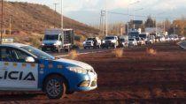 multaron a una ambulancia por esquivar filas de autos