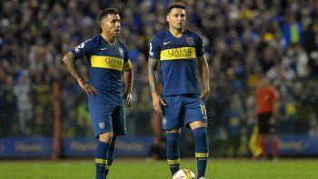 Mientras Boca sueña con un ex, las novelas de Tevez y Zárate no acaban