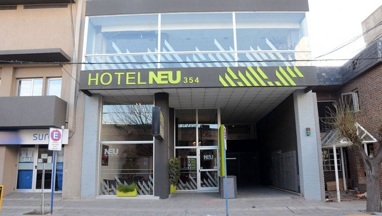 Hoteles neuquinos ofrecen alquilar sus cuartos como deptos