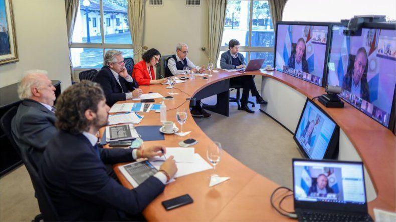 Alberto Fernández apunta a la prevención y distancia social