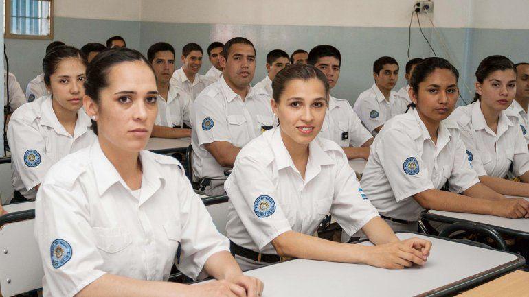 Resultado de imagen para Escuela de Cadetes de la ciudad de Cipolletti