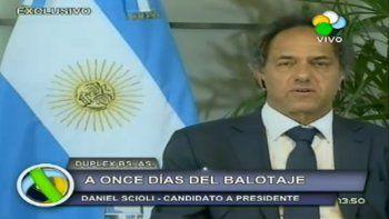El candidato Daniel Scioli dio una entrevista a través de la Televisión Rionegrina