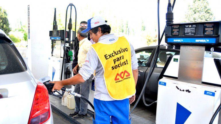 Por un aumento de impuestos en AFIP,  sube la nafta