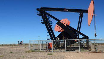 rio negro firmo un millonario acuerdo petrolero con ypf