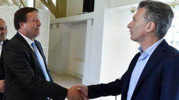 Weretilneck y Macri, mano a mano en la residencia de Olivos. El mandatario rionegrino valoró la reunión, aunque no hubo análisis a fondo de ningún tema.