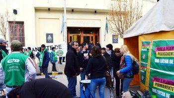 ATE inició vigilia y acampe frente a la Legislatura de Río Negro