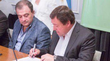 El gobernador Alberto Weretilneck firmó el decreto junto al vice, Pedro Pesatti.