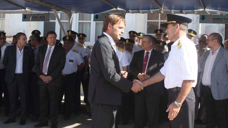 Resultado de imagen para Agentes ascendidos de la Policía de Río Negro recibieron sus atributos