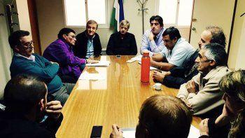 El Frente Sindical llevó una nutrida comitiva a la reunión con el Ejecutivo.