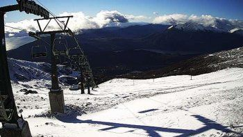 Bariloche amaneció con una intensa nevada de primavera