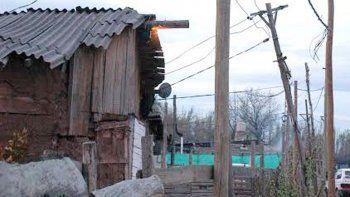 Sin leña y casi sin electricidad se torna difícil enfrentar la temporada.