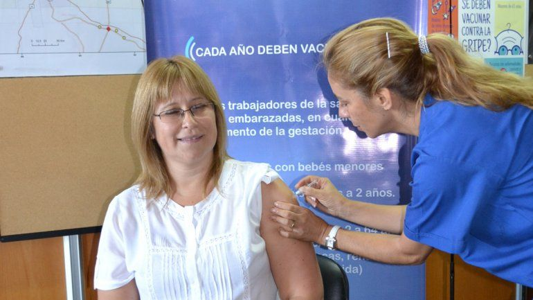 Ya se vacunó el 74% de la población de riesgo en Río Negro