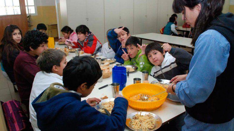 Manzanas y peras del Alto Valle para las escuelas rionegrinas