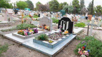 fueron al cementerio por el dia de la madre y les robaron todo