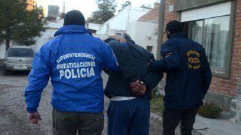 El prófugo atrapado habría participado en dos asaltos en Cipolletti.