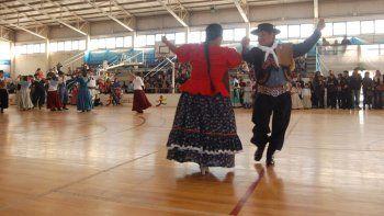la muni festeja el 25 de mayo en el estadio municipal