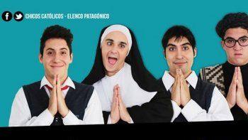 La obra Chicos católicos, apostólicos y romanos se estrenará el domingo 7 de agosto en el Centro Cultural de Toschi y Tres Arroyos.