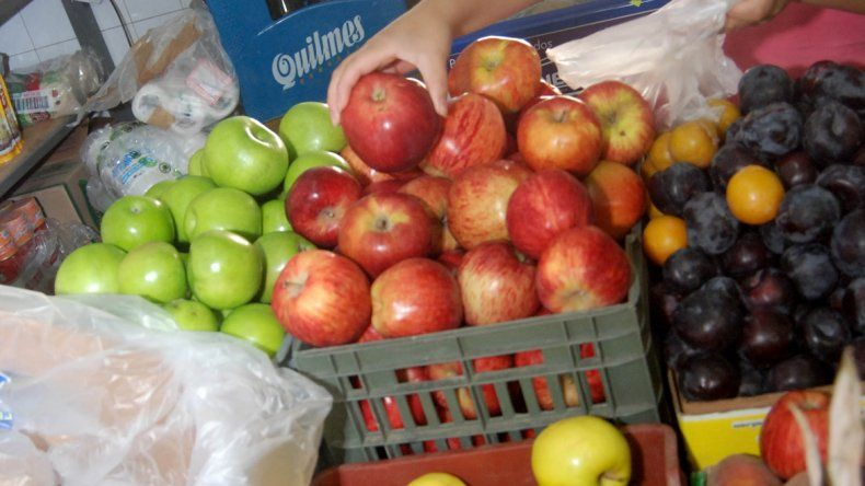 Se dilatan las paritarias de la fruticultura y hay bronca