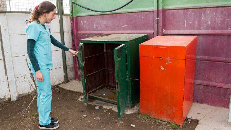Los ladrones barretearon la estructura que protegía al compresor odontológico y consiguieron llevárselo en la madrugada del martes.