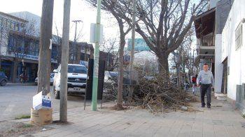 Las calles de la zona céntrica no lucen un buen aspecto y por ello han surgido críticas y exigencias para la comuna.