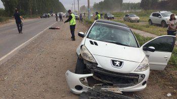 Un motociclista resultó gravemente herido tras chocar con un auto en la Ruta Chica