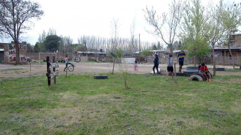 En el barrio Los Sauces viven 67 familias. La población infantil alcanza a unos 80 niños y niñas. Las viviendas de los vecinos ya están consolidadas.