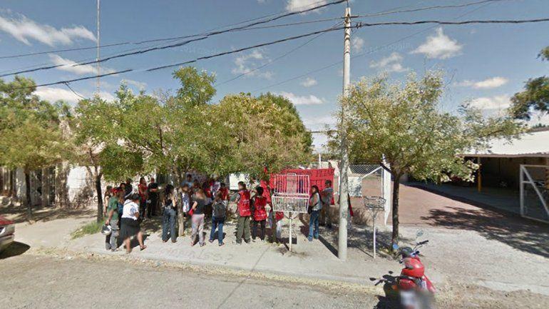 La protesta se hizo frente a la delegación local de Desarrollo Social.