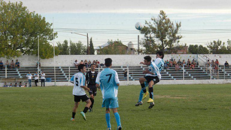 Los chicos locales buscarán seducir a los técnicos de San Lorenzo.