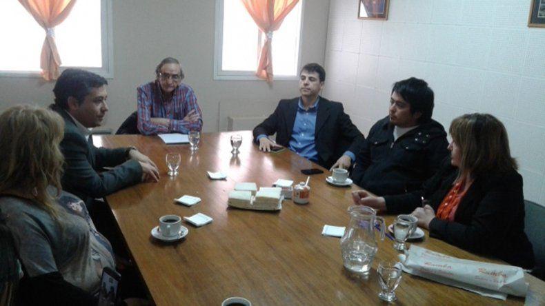 Villagra y Mansilla se reunieron en la Municipalidad cipoleña.