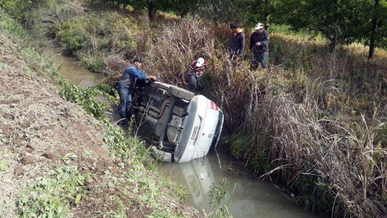Los vehículos involucrados en el choque en cadena sobre la Ruta 151 terminaron con importantes daños.