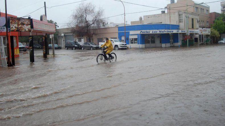 Las calles de Cipolletti se convirtieron en ríos otra vez