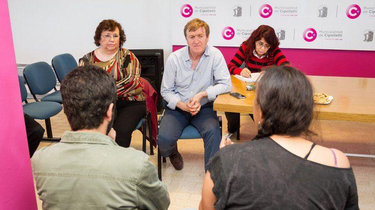Tortoriello recibió a integrantes de la Multisectorial y referentes de tomas.