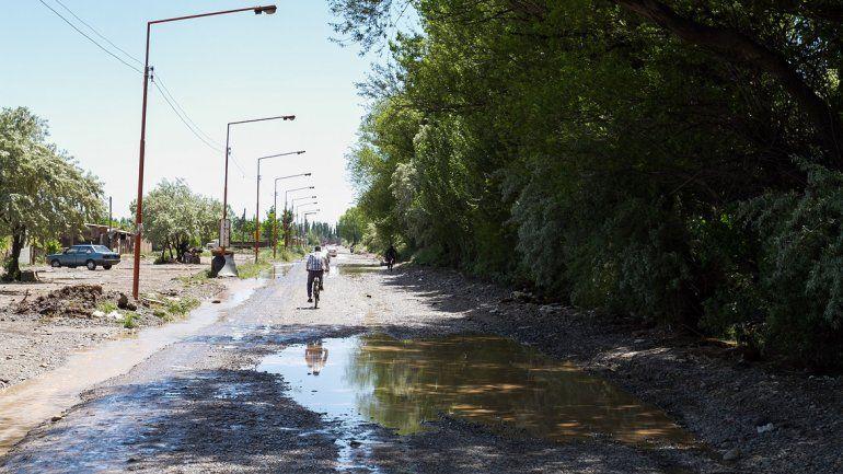 Las calles de Cipolletti todavía sufren los coletazos del temporal.