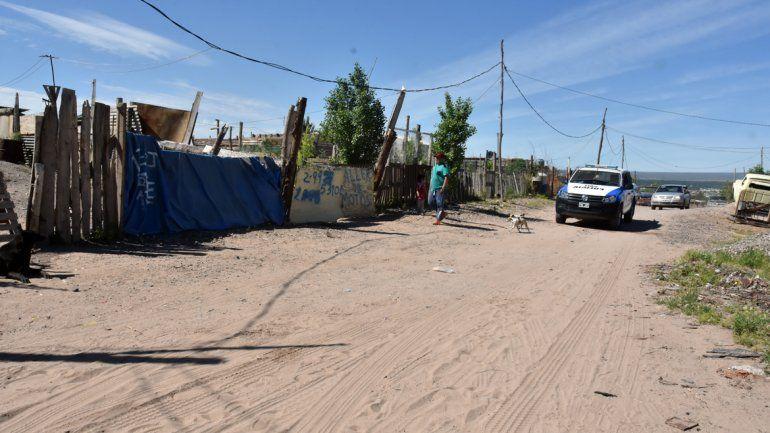 La policía neuquina concurrió al lugar del hecho y llevó a cabo distintas pericias.