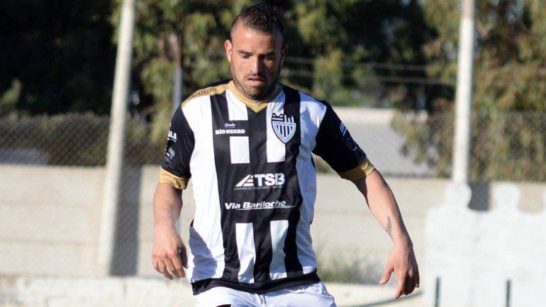 Vilce debutó con la camiseta albinegra en el primer cruce ante el Rojo.