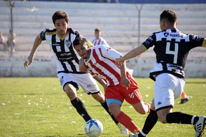 Cipolletti enfrenta a Independiente de Neuquén en La Visera.