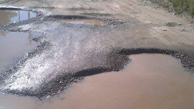 El mal estado de la calle Lembeye se vio agravado tras las recientes lluvias.