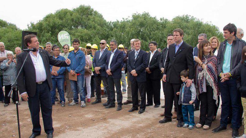 El gobernador Weretilneck encabezó la inauguración y dijo: Hoy empezamos a cumplir el sueño del doctor Salto