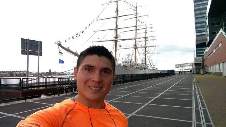Adán Jara es del barrio Del Trabajo y recorrió el mundo en la Fragata Libertad