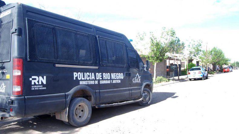 El grupo COER estuvo en el barrio Anai Mapu luego de los hechos de violencia.
