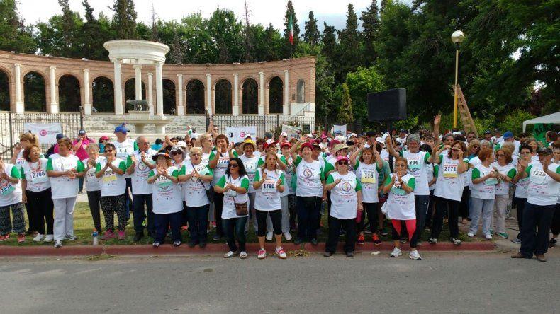 Los abuelos coparon las calles cipoleñas en el comienzo de las Olimpiadas de la Tercera Edad